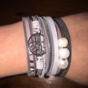 Jewelry - Gorgeous Silver Tree of Life Bracelet